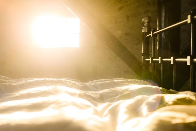 Rolgordijnen Slaapkamer 11 : Wat zijn de beste rolgordijnen voor in de slaapkamer simply at